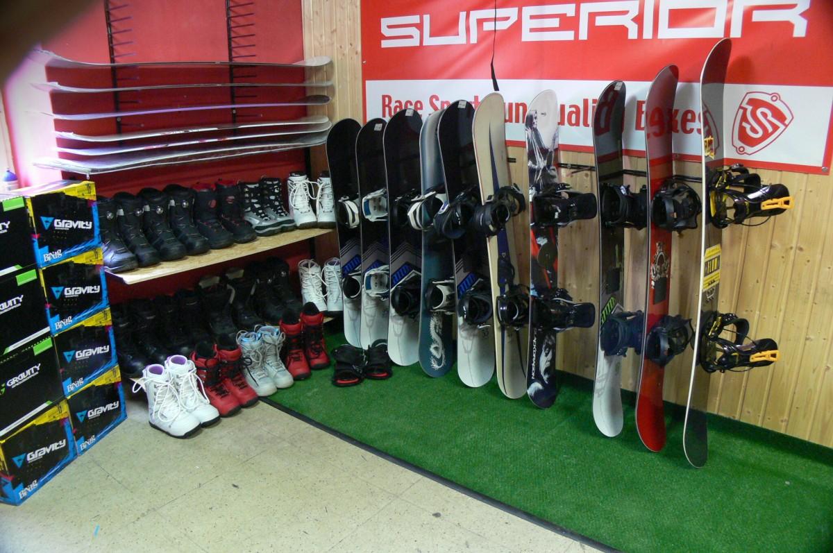 Půjčovna snowboardů